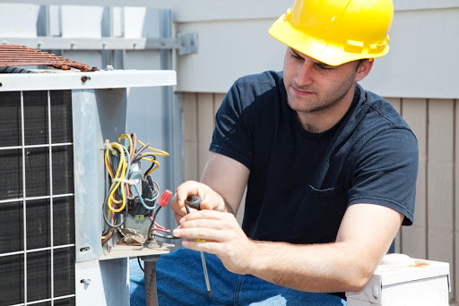 Benefits to avail by hiring a professional HVAC contractor