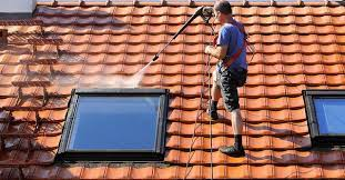 Finding a Roof Cleaning Contractor – Things to Look out for