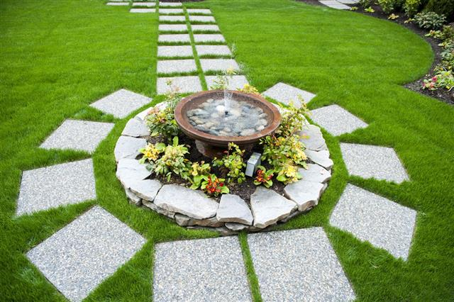 Why You Need to Have Well Groomed Garden with Water Features