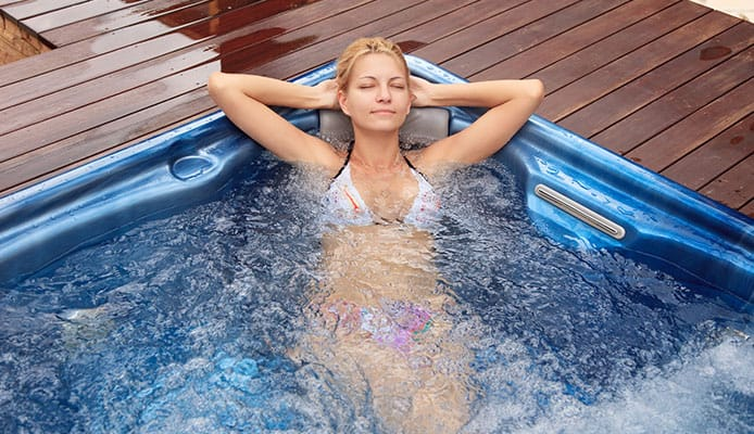 Choose The Right Hot Tub to Enjoy Steamy Bath in The House
