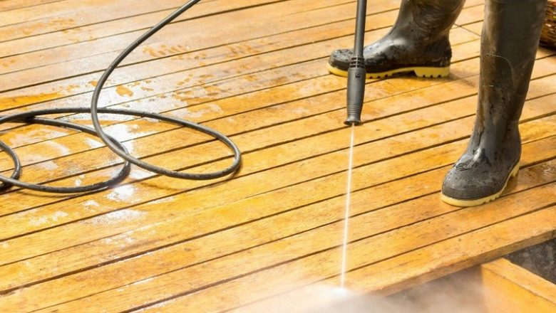 What type of decking material to use to prevent bugs?