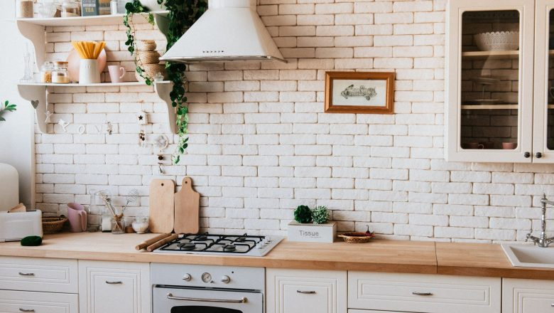5 Signs Indicating That Shows Its Time for Cabinet Refacing