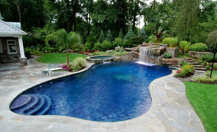 Make the Guests Gasp with Wonder: A Custom Pool and Loads of Options